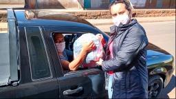 EPTV Sul de Minas arrecada 4 toneladas de roupas em drive-thru de Campanha do Agasalho