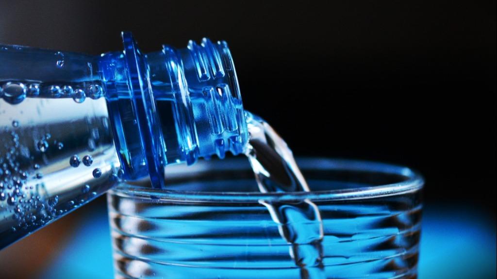 Dieta com frutas, legumes e vegetais, além de beber muita água... saiba como passar ileso (a) ao tempo seco e frio