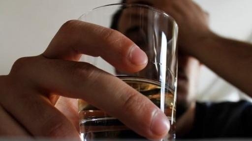 Especialista fala sobre a relação do consumo de álcool com doenças cardiovasculares