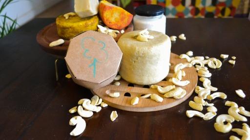 Você já ouviu falar do queijo vegano caseiro feito sem leite?