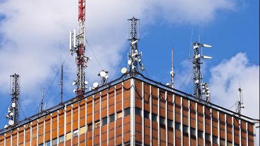Prédios passam ceder espaços para abrigar antenas de telefonia