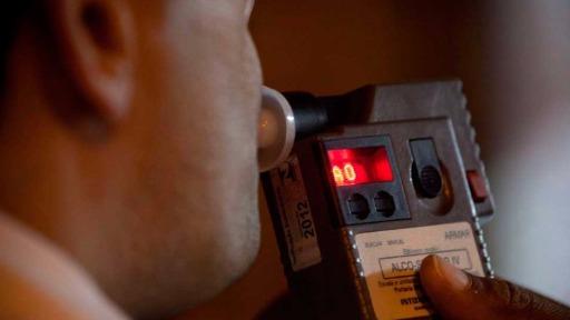 Motorista se recusa a fazer teste do bafômetro por medo de infecção pela Covid-19