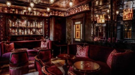 Bar na Escócia oferece 365 diferentes rótulos de whiskies
