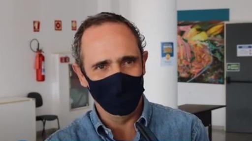 Airton Garcia promove dança das cadeiros em secretariado de São Carlos