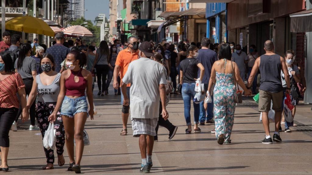 Taxa de retransmissão em Ribeirão segue abaixo de 1, mas registra alta em relação a primeira quinzena de julho