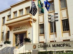 Câmara de Araraquara discute participação de famílias homoafetivas em programas habitacionais