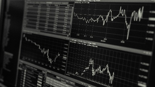 Especial Invest: especialista aponta que analisar os indicadores da economia ajuda na hora de investir.