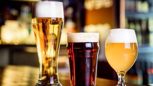 Qual a diferença de cervejas artesanais e comerciais?
