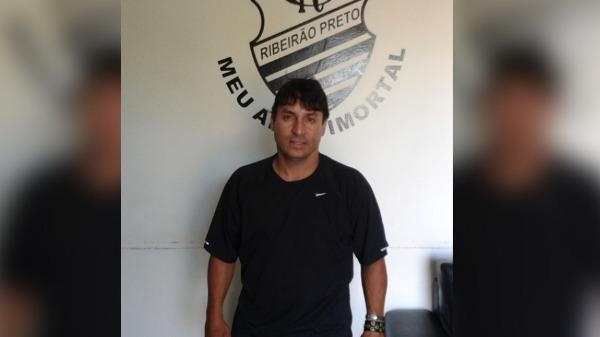 Claudinho fala da sua história no futebol com as camisas do Comercial, Botafogo-SP e Guaraní