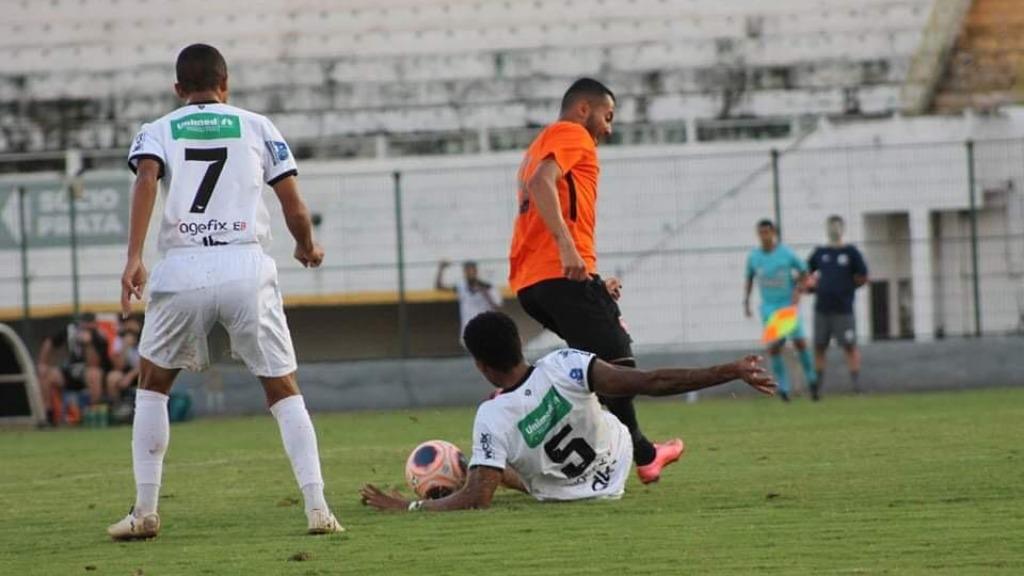 Comercial ainda não venceu em casa - Foto: Rafael Alves/Comercial FC