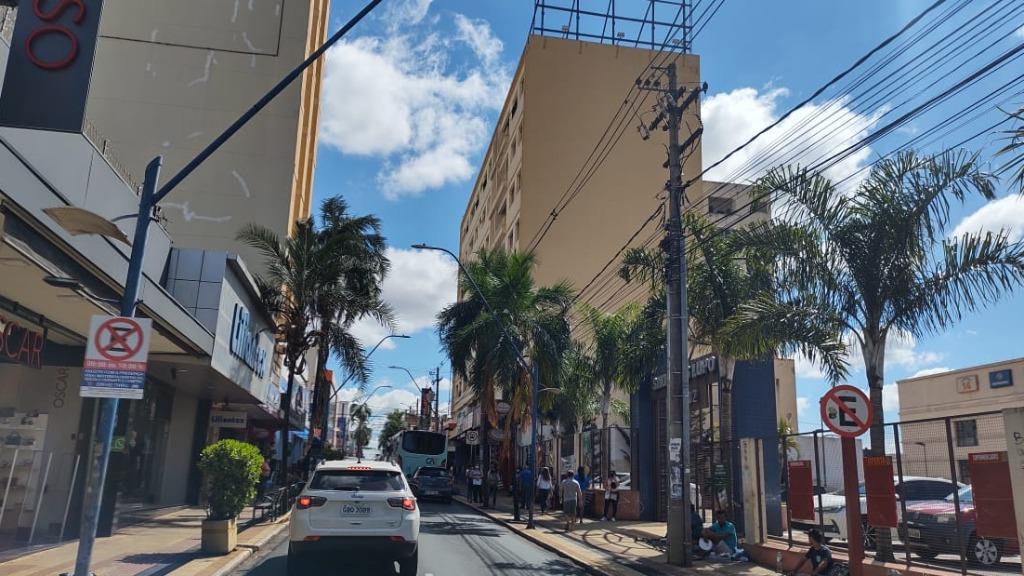 Comércio central de Araraquara volta a atender presencialmente (Foto: Amanda Rocha) - Foto: ACidade ON - Araraquara
