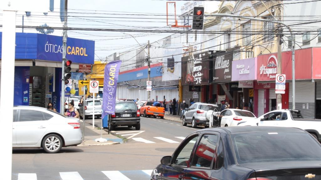 Comércio em São Carlos volta a funcionar na segunda-feira (19)