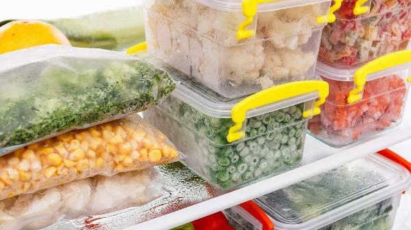 Você tem costume de congelar comida? Sabe qual a durabilidade desses alimentos congelados?
