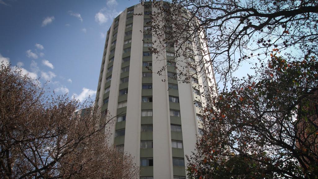 Furtos e roubos em condomínios: quem paga a conta?