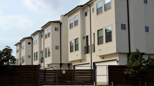 Pintar a fachada, trocar a porta... confira as regras sobre o que os moradores podem fazer nos condomínios