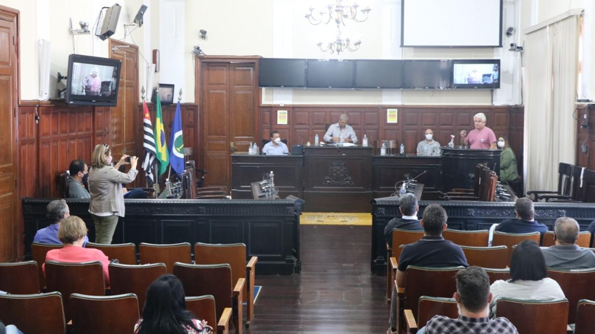 Prefeitura estuda formas de conscientização para que a população se vacine contra a Covid-19