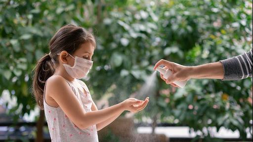 Pediatra Ivan Savioli Ferraz alerta que o novo coronavírus pode atingir crianças e adultos na mesma intensidade