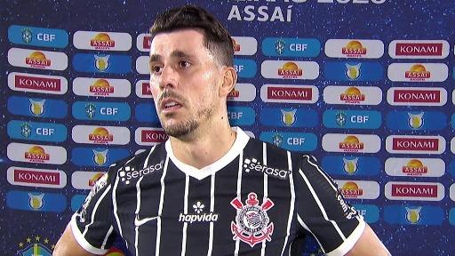 Corinthians deve romper contrato com lateral Danilo Avelar após ofensa racista em jogo online