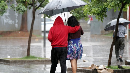 Dia deve ter chuvas leves e isoladas (Foto: Denny Cesare/Código19) - Foto: Foto: Denny Cesare/Código19