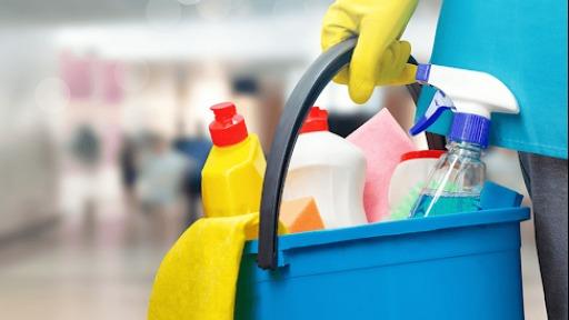 Problemão: funcionários de limpeza e zeladores trabalhando de um a dois dias na semana sem registro em condomínios