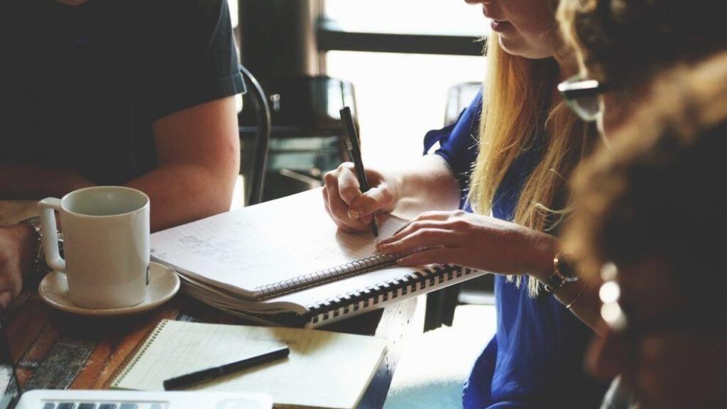 emprego escritório trabalho - Foto: Pixabay