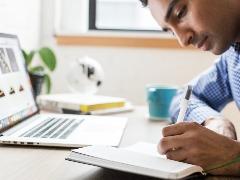 Mercado de trabalho exige capacitação constante em diversas habilidades