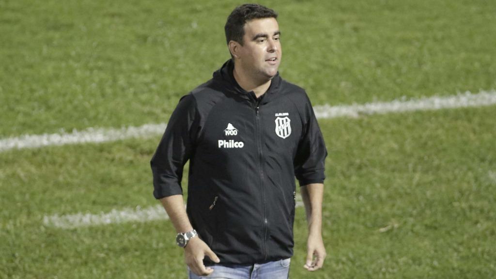 Fábio Moreno: passagem pela Seleção Olímpica, auxiliar de Abel Braga e atualmente à frente da Ponte Preta
