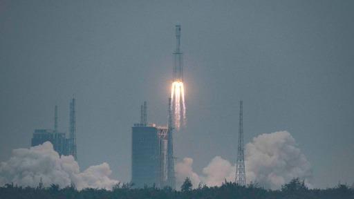 Professor fala sobre foguete chinês que deve entrar na atmosfera no fim de semana