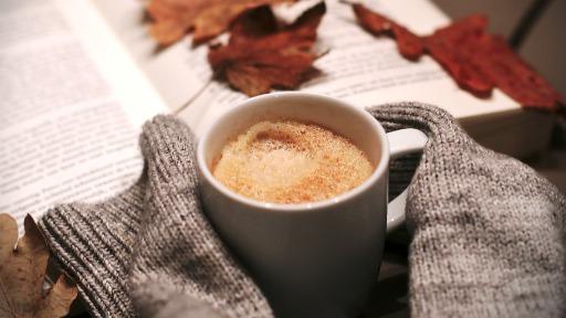 Beber muito café pode desencadear problemas cardíacos?
