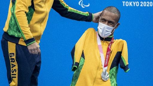 Cinco medalhas, goleada em cima dos atuais campeões... Confira o resumo do 1º dia da Paralimpíada!