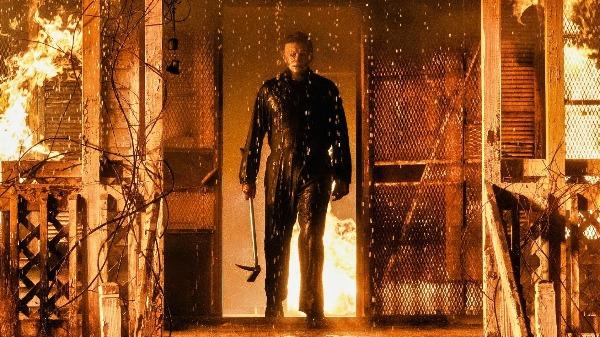 Você é da turma que curte um file de terror? Então confira a resenha de Halloween Kills: O Terror Continua