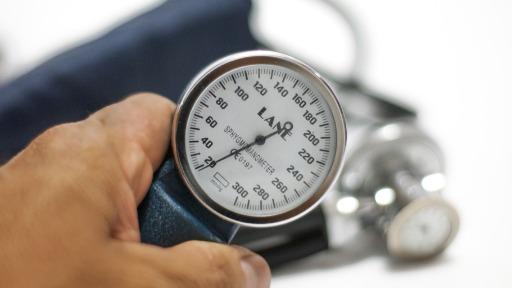 Cardiologista reforça os perigos do coronavírus para hipertensos, diabéticos e obesos