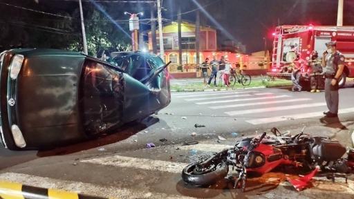 Jovem de 20 anos morre após colidir moto contra carro em Araraquara