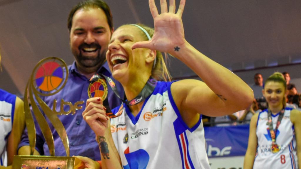 Karla Costa fala sobre a dupla função, como jogadora e gestora do Basquete Campinas, na Liga de Basquete Feminino