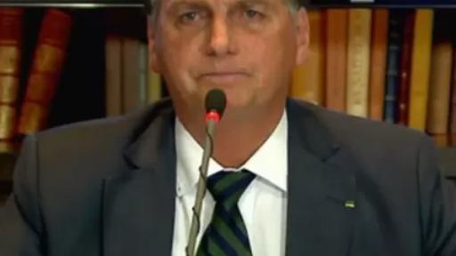 Presidente Jair Bolsonaro realiza live para comentar sobre voto impresso