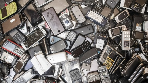 Lixo eletrônico - Foto: Geert Vanden Wijngaert/AP