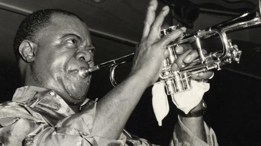 O envolvente jazz de Louis Armstrong