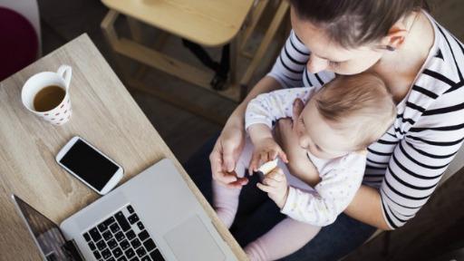 A mãe no mercado de trabalho e as dificuldades que as mulheres enfrentam na união entre trabalho e maternidade