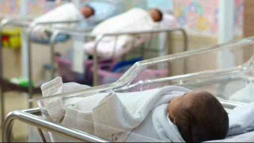 Em tempo de pandemia, quais cuidados os pais devem tomar com os recém-nascidos?