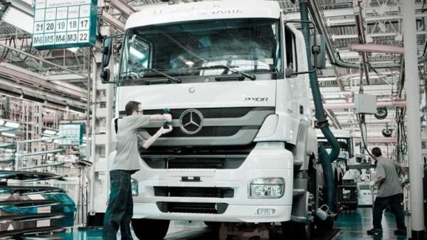 Mercedes-Benz do Brasil, em São Bernardo do Campo, completa 65 anos