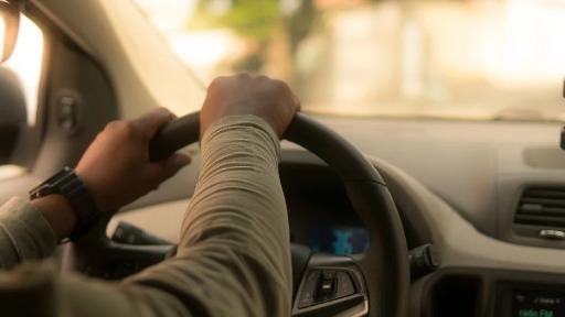Diretora do SEST SENAT dá dicas aos motoristas para controlar o estresse durante a pandemia
