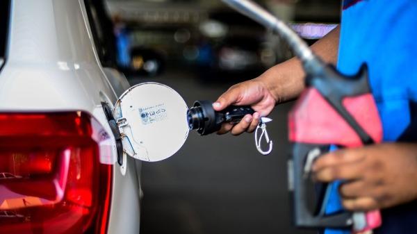Novo aumento do combustível começa a valer a partir de amanhã (Foto: Marcello Casal Jr/Agência Brasil) - Foto: Marcello Casal Jr/Agência Brasil