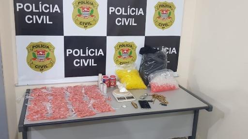 Polícia prende 10 pessoas em operação contra o tráfico de drogas