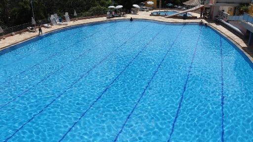 Com o calor, exercícios na água viram alternativa