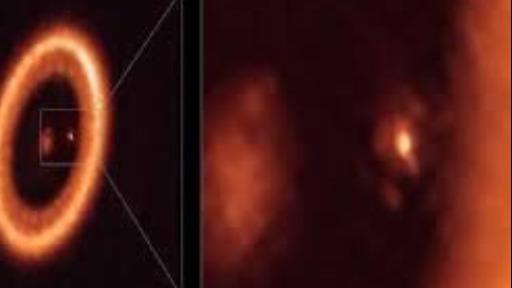 Pesquisadores podem ter visto lua alienígena nascendo ao redor de planeta