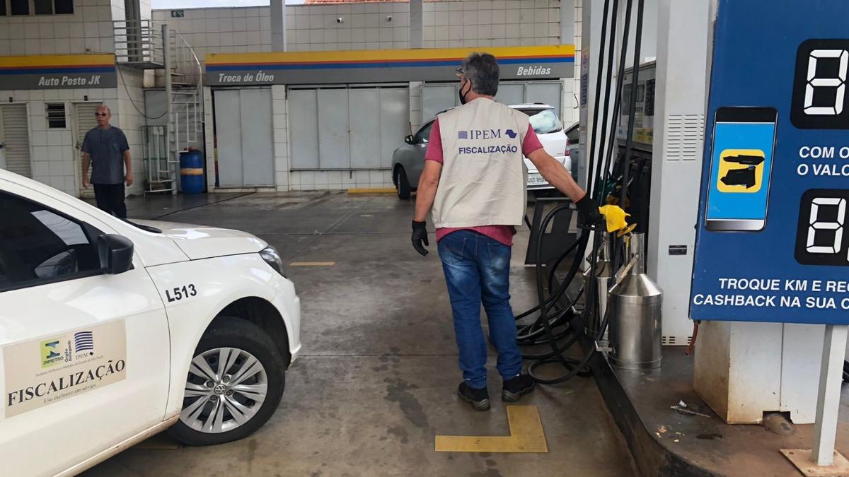 Posto é lacrado na Vila Tibério por adulteração na gasolina