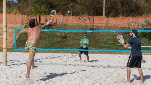 Conheça o beach tennis! Modalidade virou