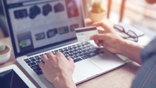 Conheça as regras para conseguir anunciar produtos na internet