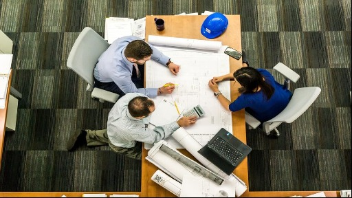 Como o mercado tem trabalhado para melhorar a formação de líderes?