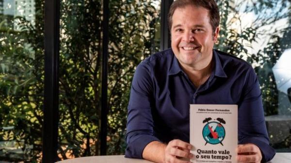 Fábio Fernandes apresenta seu livro